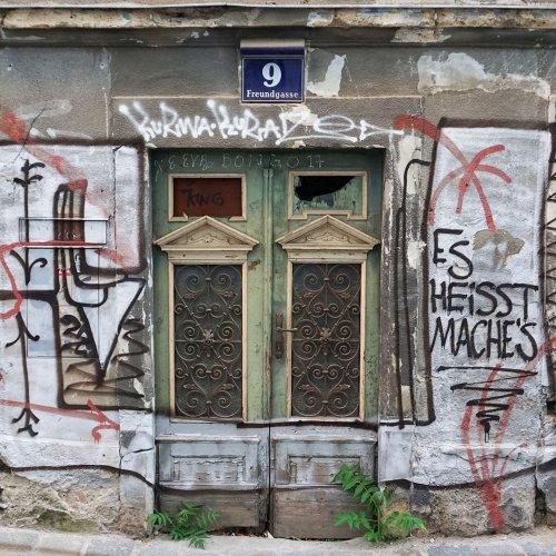Mitten im 4. Bezirk: Ein altes Haus verfällt