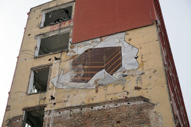 """Werbung """"Ildefonso"""" auf der Fassade des ehemaligen Schokoladenfabrik Victor Schmidt & Söhne, Geiselbergstraße, 1110 Wien"""