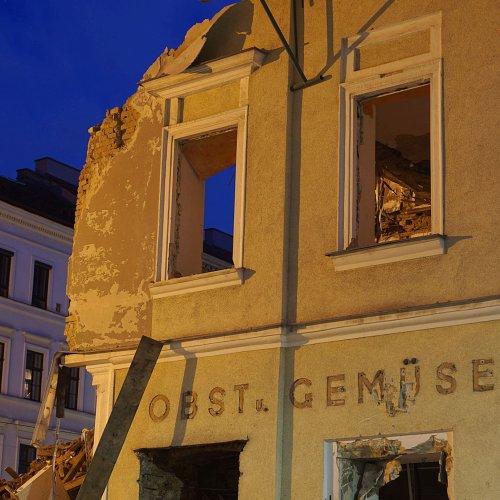 Vom Gasthaus zur Ruine, von der Ruine zum Schutthaufen