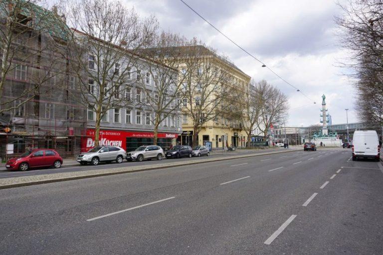 Praterstraße beim Praterstern und Tegetthoff-Denkmal, Wien-Leopoldstadt (2. Bezirk)