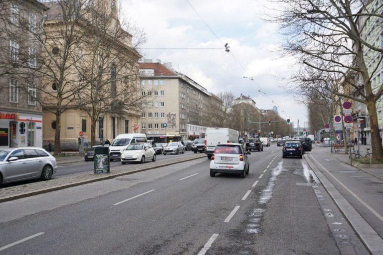 Praterstraße auf der Höhe des Nestroyplatzes, Johann-Nepomuk-Kirche, 1020 Wien