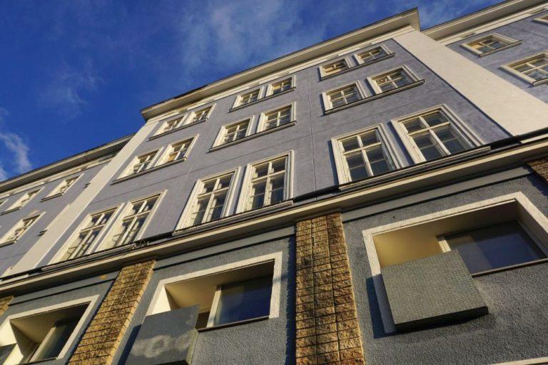 Blaues Haus (Mariahilfer Straße 132) in Wien, Rudolfsheim-Fünfhaus (15. Bezirk), vor Abriss wegen IKEA-Neubau