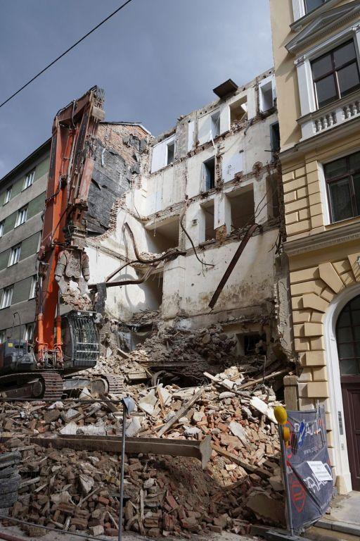 abgerissenes Gründerzeithaus Floßgasse 14 in Wien-Leopoldstadt, ehemalige jüdische Mikwe (Ritualbad)