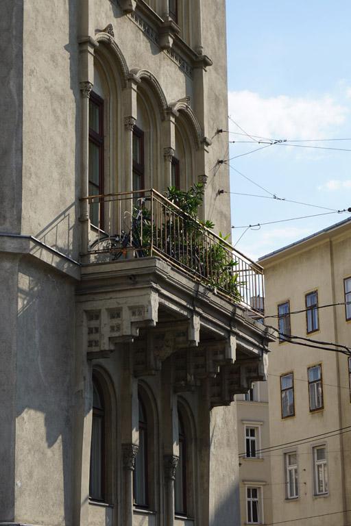 Balkon des Hauses Radetzkystraße 24-26 in Wien-Landstraße