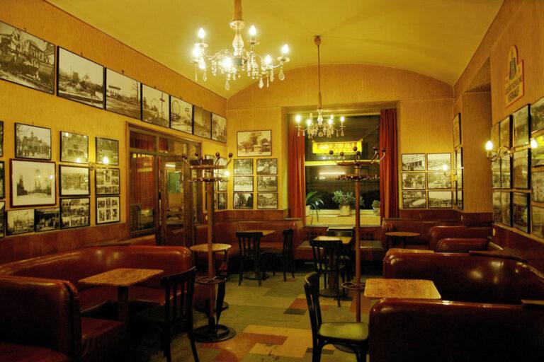 """""""Kaffee Urania"""" in Wien-Landstraße, Innenaufnahme, Radetzkystraße"""