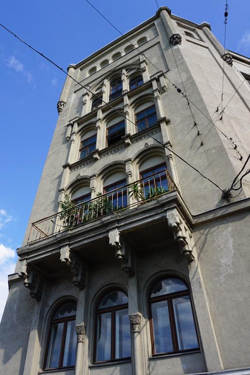 neugotisches Gebäude in der Radetzkystraße 24-26 in Wien-Landstraße, Balkon, Dekor, Donaukanal, Dampfschiffstraße