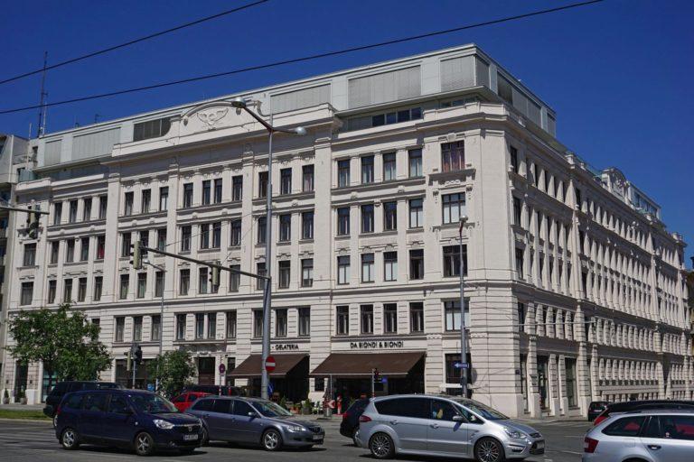 Wiedner Gürtel 12 renoviert, mit Dachausbau, unter Denkmalschutz, Wien-Wieden (4. Bezirk)