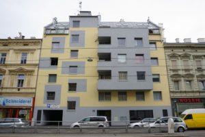 Neubau an der Brünner Straße zwischen zwei Altbauten, Wien-Floridsdorf
