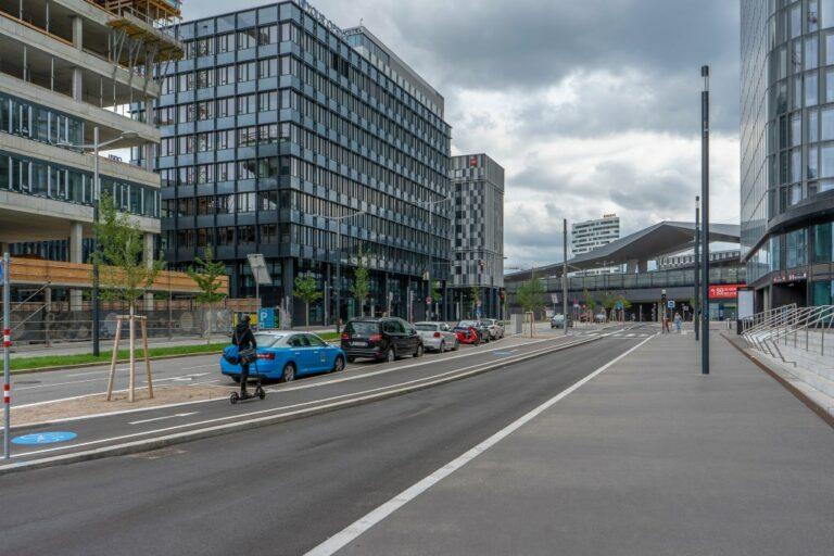 Gertrude-Fröhlich-Sandner-Straße beim Wiener Hauptbahnhof, Quartier Belvedere