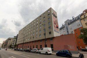 Hotel in der Sonnwendgasse 8, beim Wiener Hauptbahnhof, Favoriten, Azimut, Bausünde