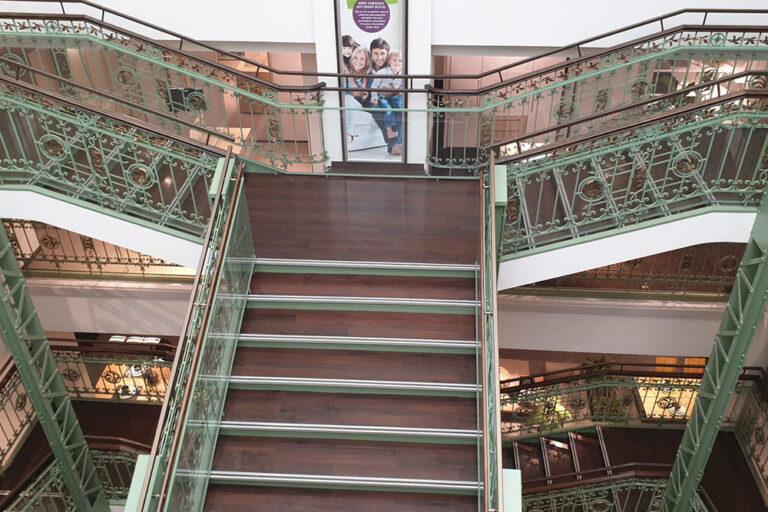 Treppe im Leiner-Haus, Mariahilfer Straße, Wien