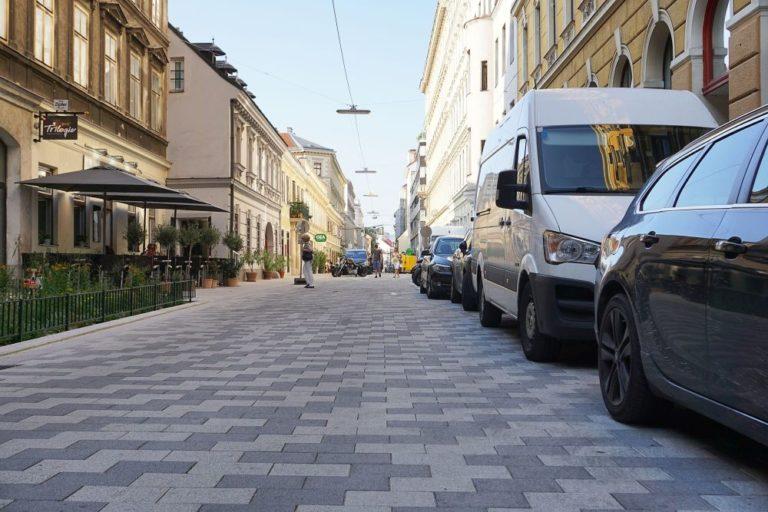 Begegnungszone Lange Gasse in Wien-Josefstadt