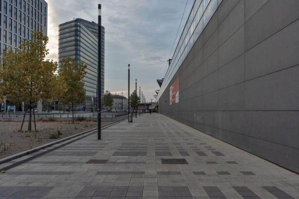 öffentlicher Raum beim Wiener Hauptbahnhof, Bahndamm