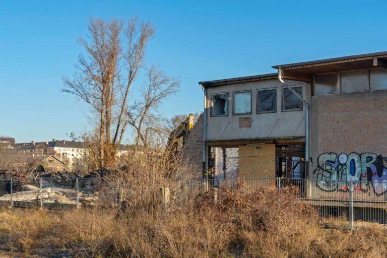 Nordbahnhalle wird nach dem Brand abgerissen