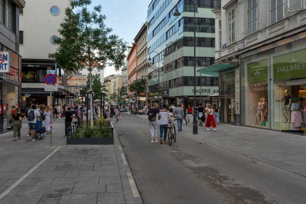 Begegnungszone in der Rotenturmstraße, in Wien, Innere Stadt