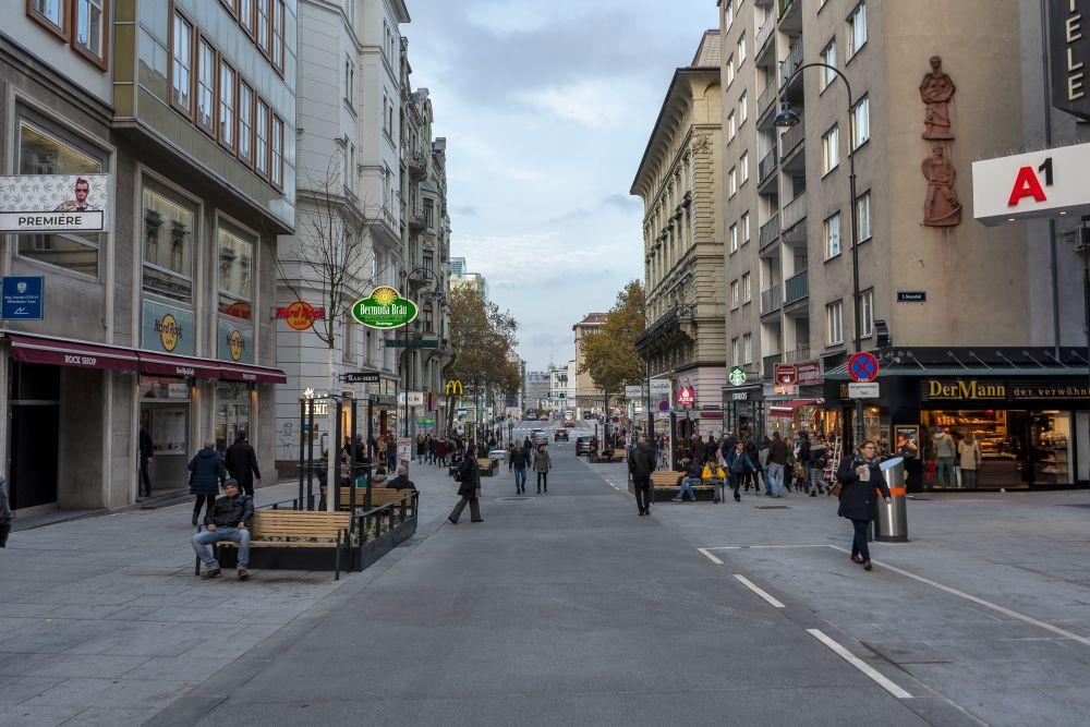 Rotenturmstraße in Wien, Innere Stadt, Begegnungszone, Verkehrsberuhigung, Schwedenplatz