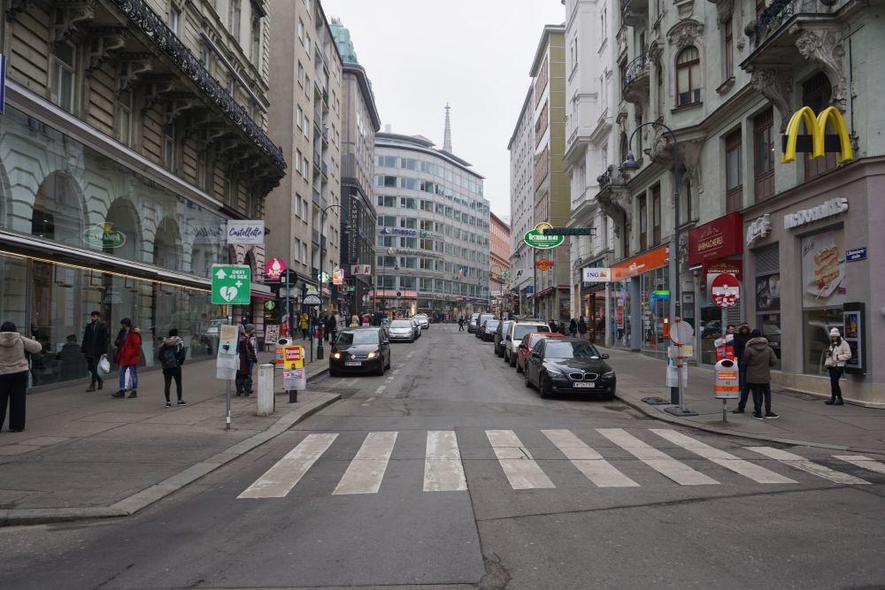 Rotenturmstraße vor der Umgestaltung zur Begegnungszone, Wien