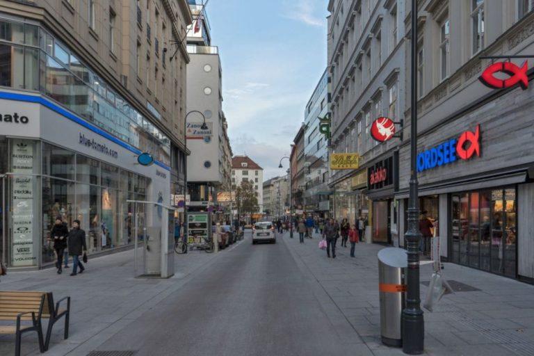 Rotenturmstraße nach dem Umbau zur Begegnungszone, 1010 Wien