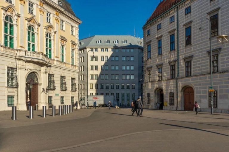 Ballhausplatz am Tag vor der Angelobung der ÖVP-Grünen-Regierung, 6.1.2020