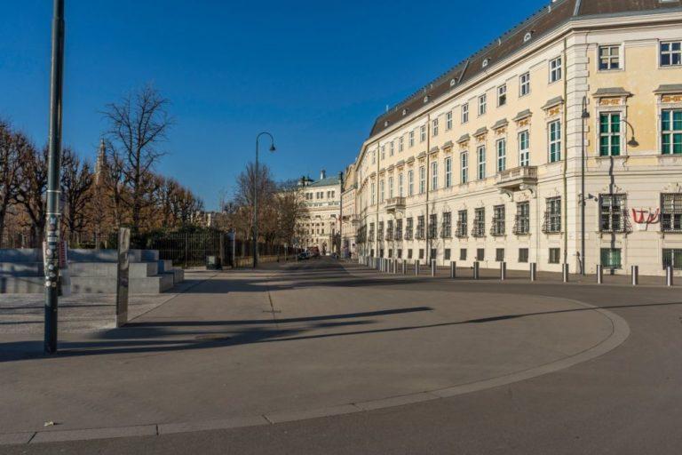 Ballhausplatz Richtung Löwelstraße und Burgtheater, Wien
