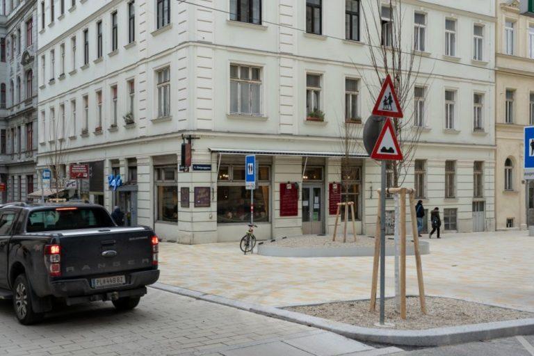 Fußgängerzone in der Königsegggasse, Café Jelinek, Wien-Mariahilf
