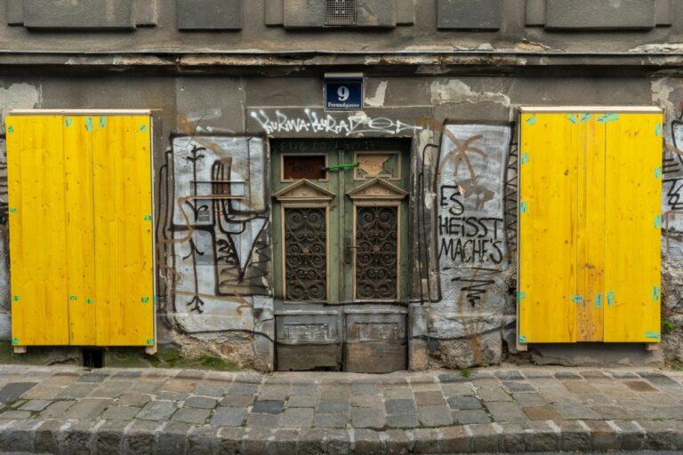 Schäden am Haus Freundgasse 9, Wien, Wieden
