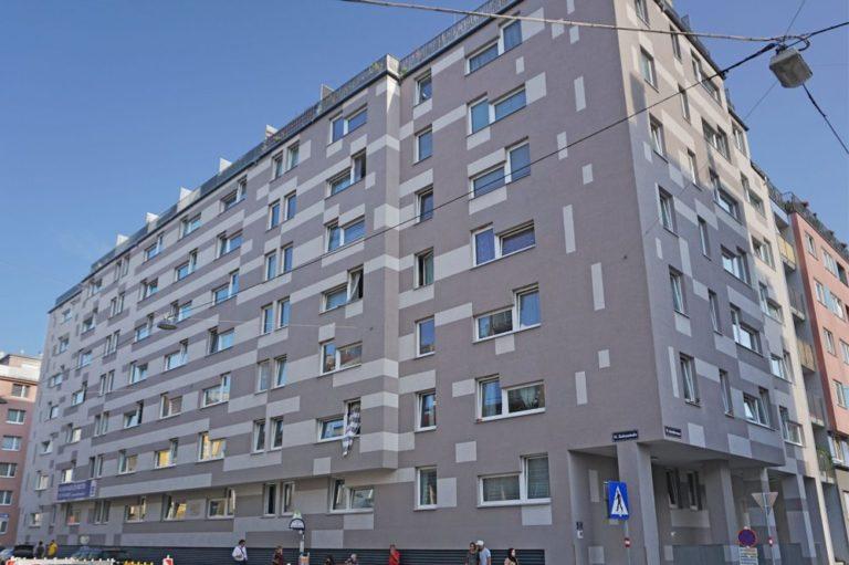 Wohnhaus in der Gudrunstraße in Wien-Favoriten, ersetzt historische Fabrik