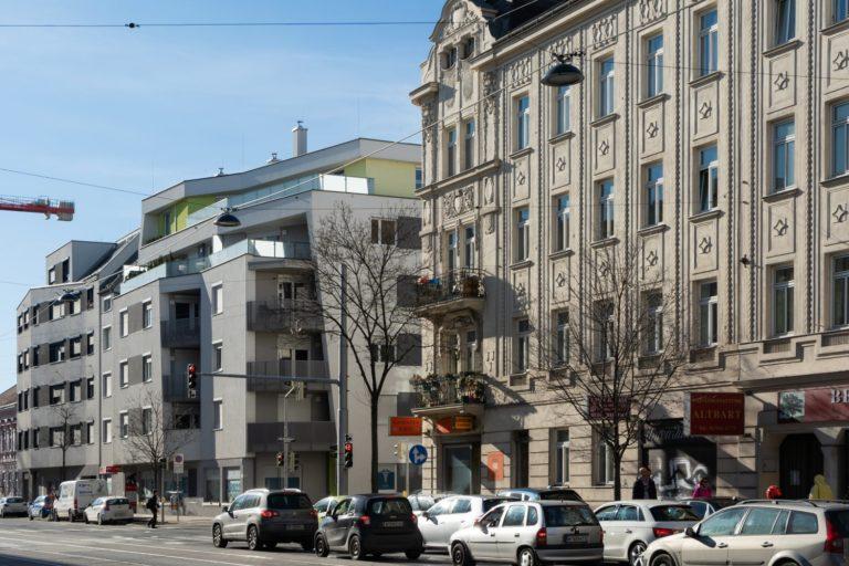 Wagramer Straße 123 (links) und 125-125A (rechts) (Foto: 2020)