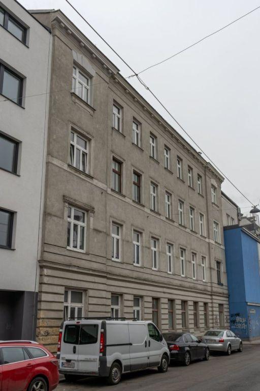 Gründerzeithaus in der Avedikstraße 7 in Rudolfsheim-Fünfhaus, Wien