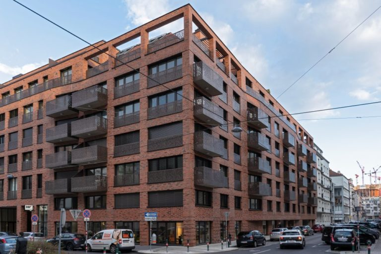 Rüdengasse 7-9, Neubau mit Klinkerfassade und Balkonen, Wien-Landstraße