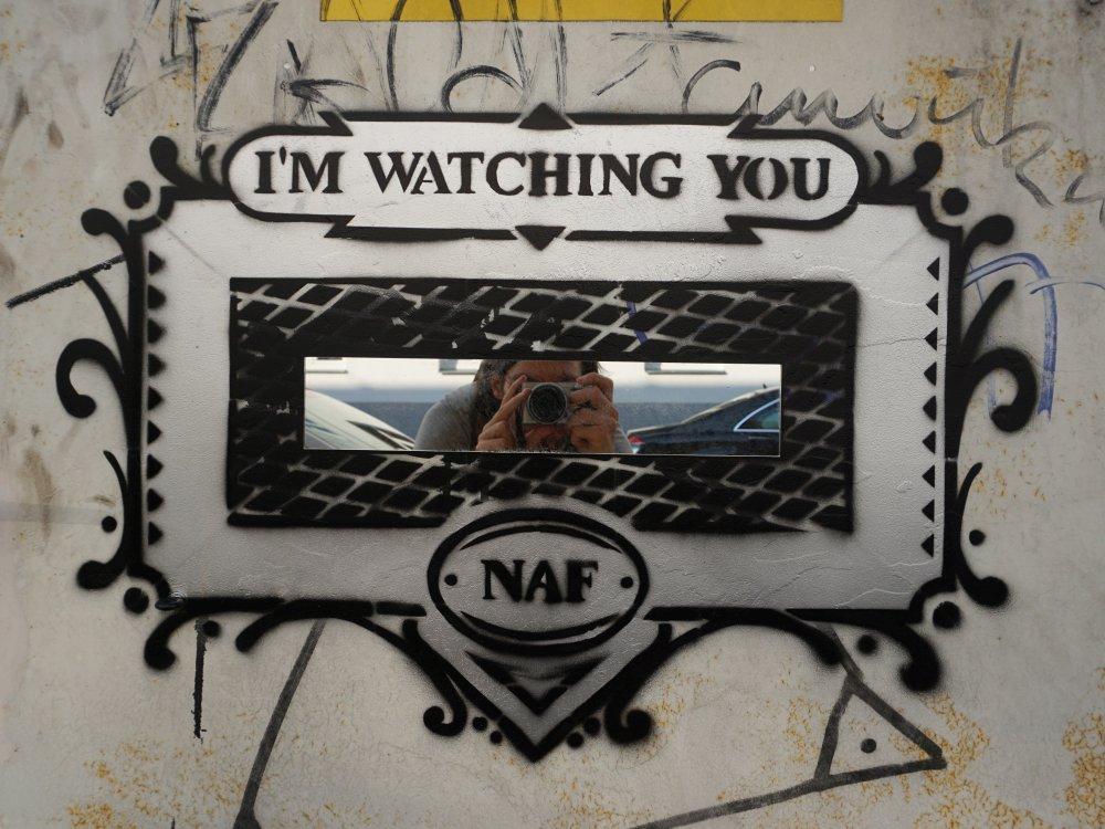 Graffiti und Spiegel, Viadukt, Wien-Landstraße