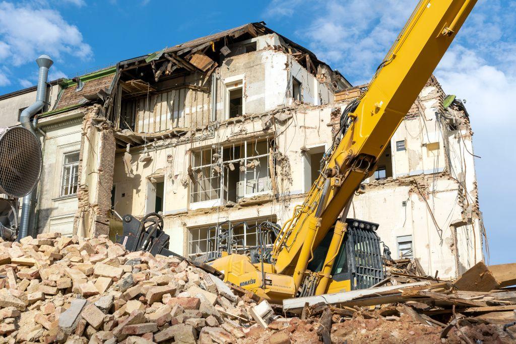 Abrissarbeiten, historisches Gebäude, Klinik, Bagger, Schutt, AKH, Wien
