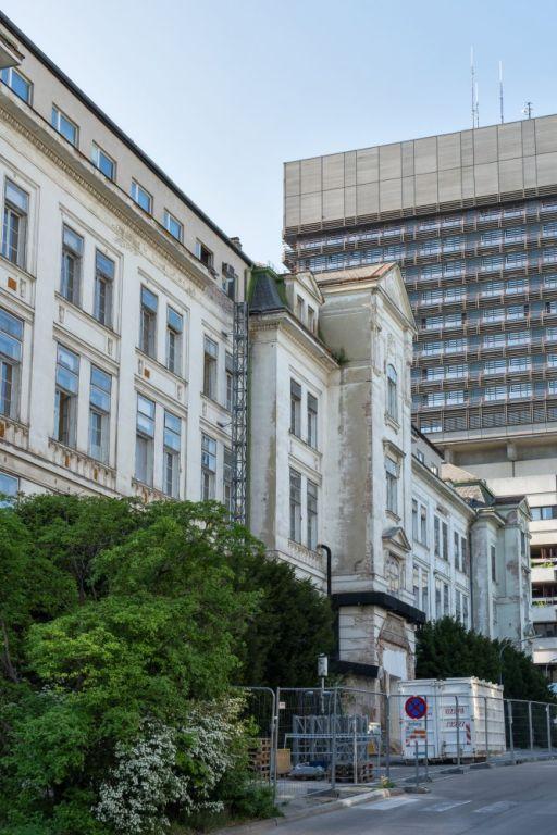 I. Medizinische Klinik und AKH-Neubau, Wien, Abriss der historischen Klinik beginnt