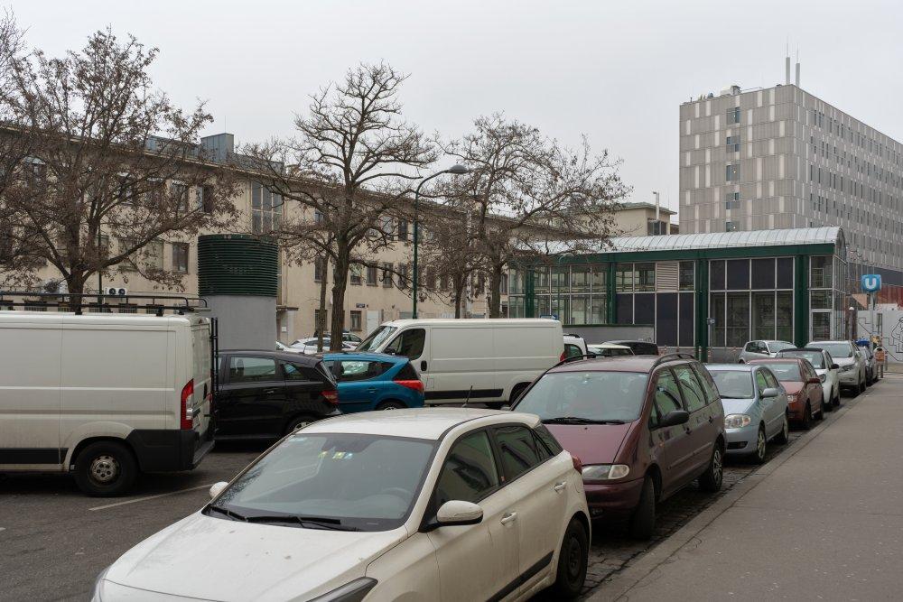 Langauergasse beim Westbahnhof (im Hintergrund der U-Bahn-Aufgang) (Foto: 2020)