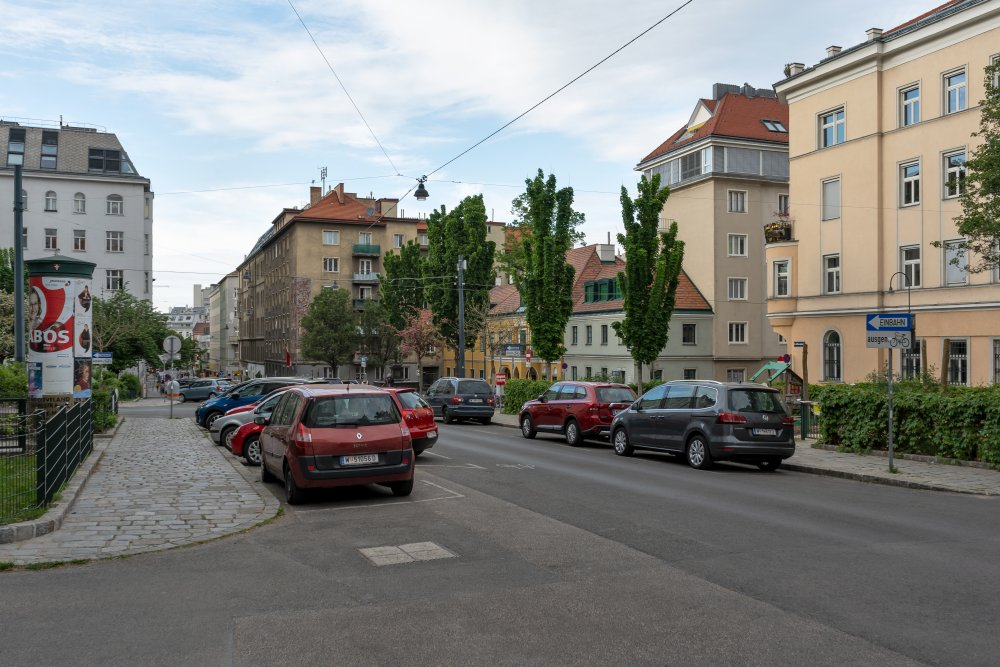 Albertplatz, Autos, Josefstadt, Wien