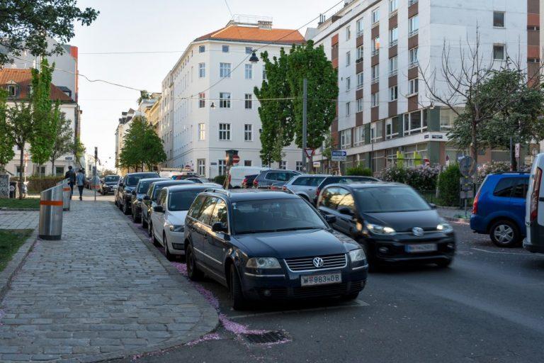 Albertplatz: viel Platz für den Verkehr (Foto: 2020)