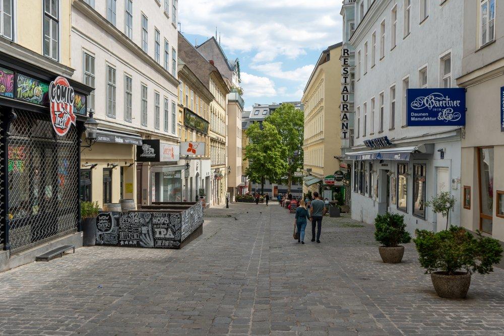 Fußgängerzone in der Barnabitengasse, Mariahilf, Wien