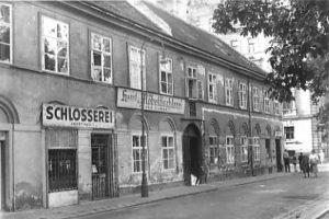 historische Aufnahme des Gebäudes am Bennoplatz Nr. 4, Wien-Josefstadt