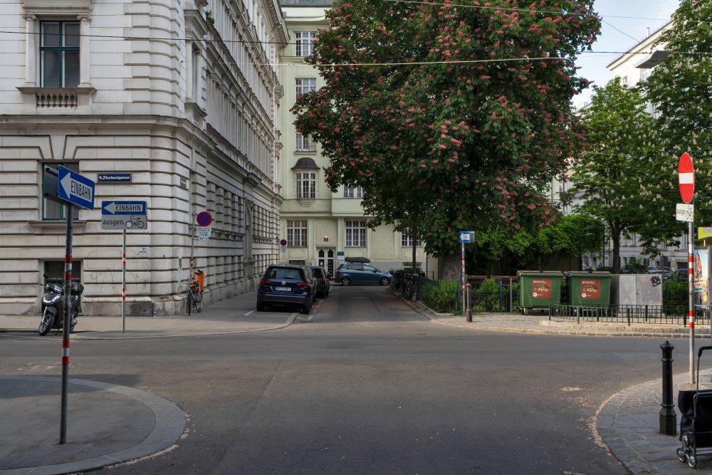Bennoplatz, Florianigasse, Wien