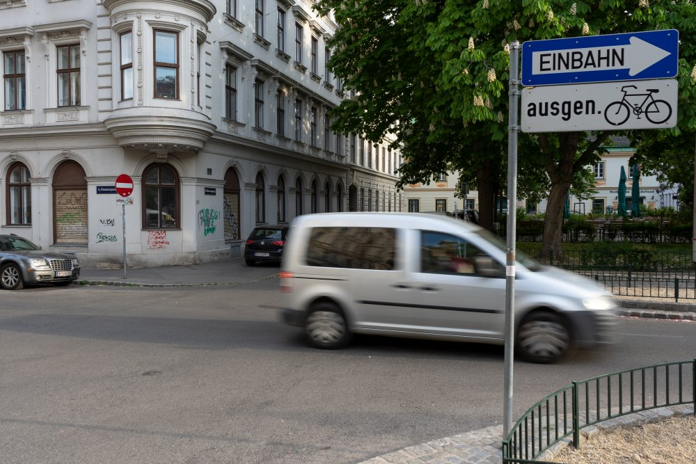 Fahrbahn der Florianigasse durch den Bennoplatz (Foto: 2020)