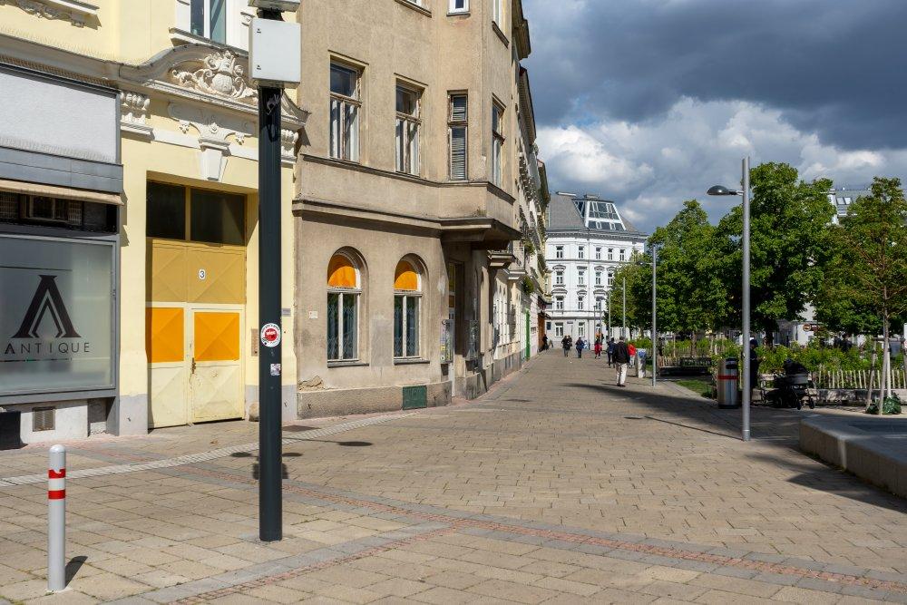 Fußgängerzone am Kardinal-Rauscher-Platz, Rudolfsheim-Fünfhaus