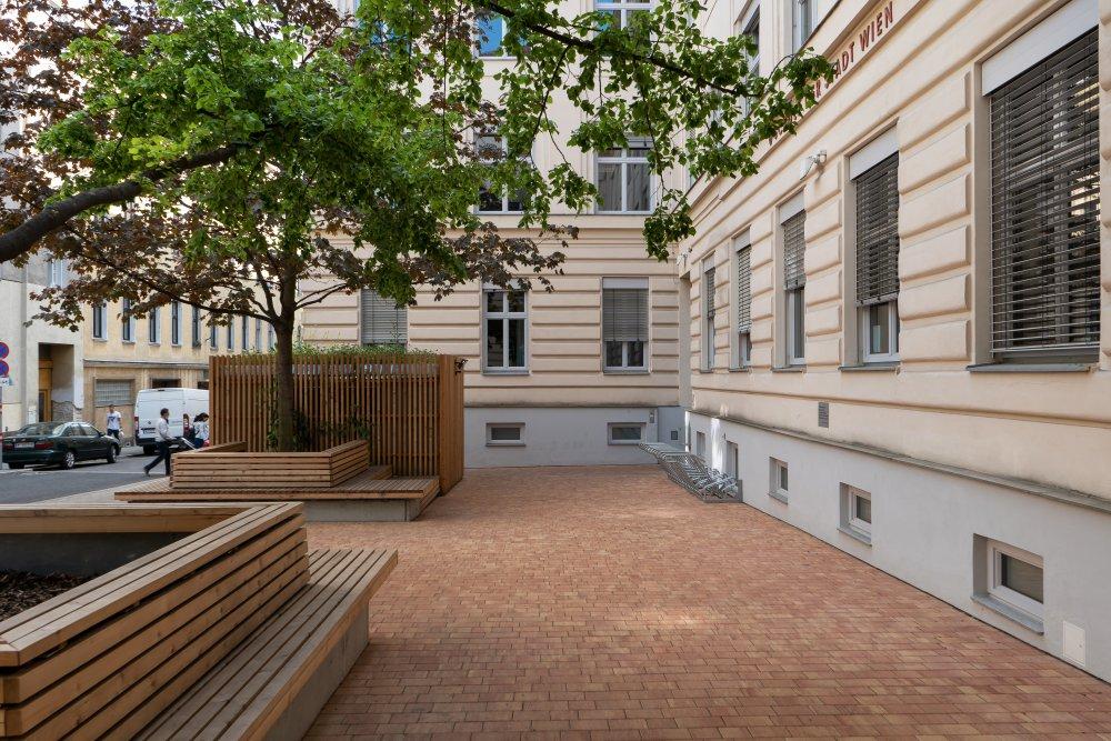 Schulverplatz der WMS Kauergasse,1150 Wien