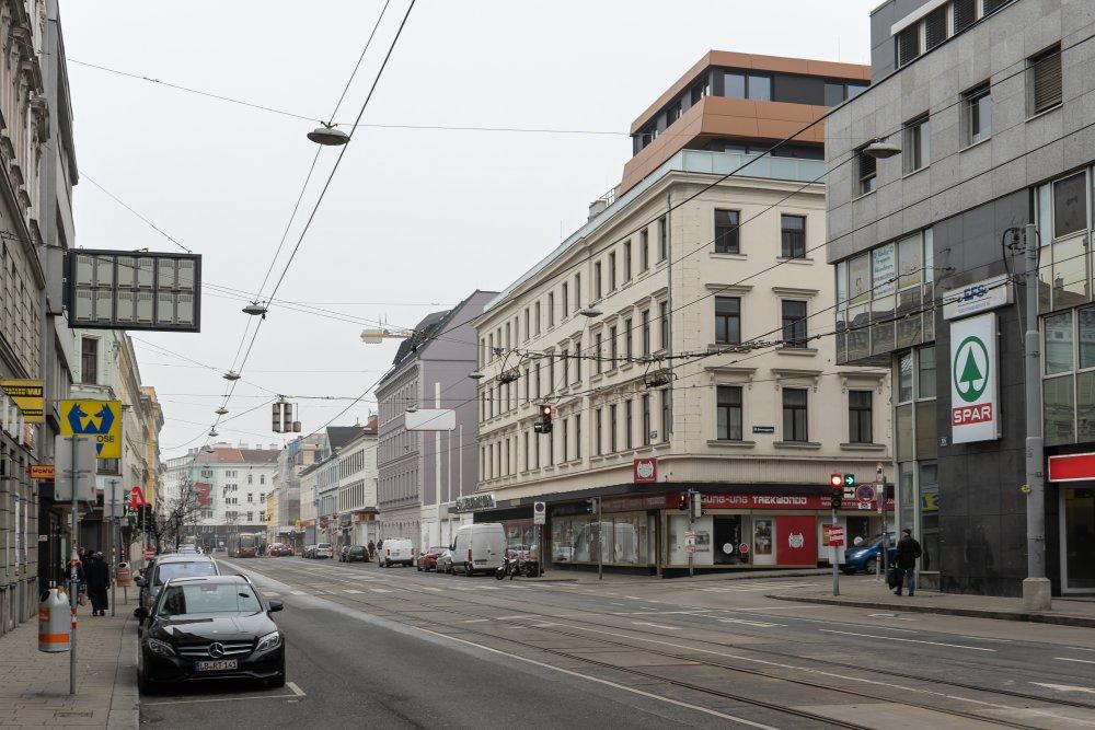 Die äußere Mariahilfer Straße ist abschnittsweise sehr breit. (Foto: 2020)