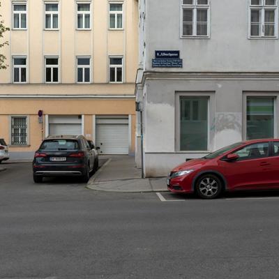 Asphaltparkplatz Albertplatz