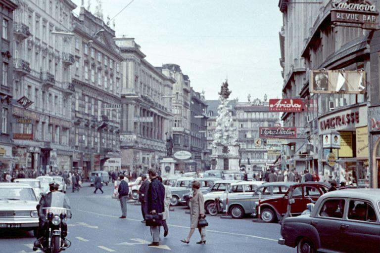 1966: Graben als vielspurige Fahrbahn (Foto: Fortepan, Herbály István)