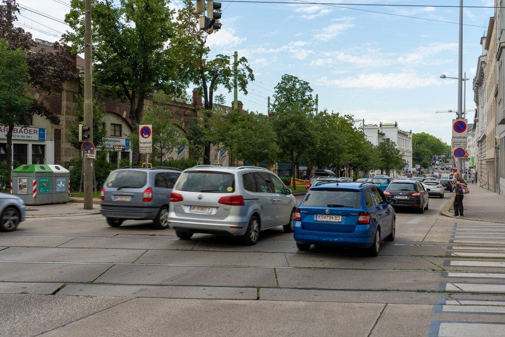 """Hernalser Gürtel: """"Autobahn"""" in der Josefstadt (Foto: 2020)"""