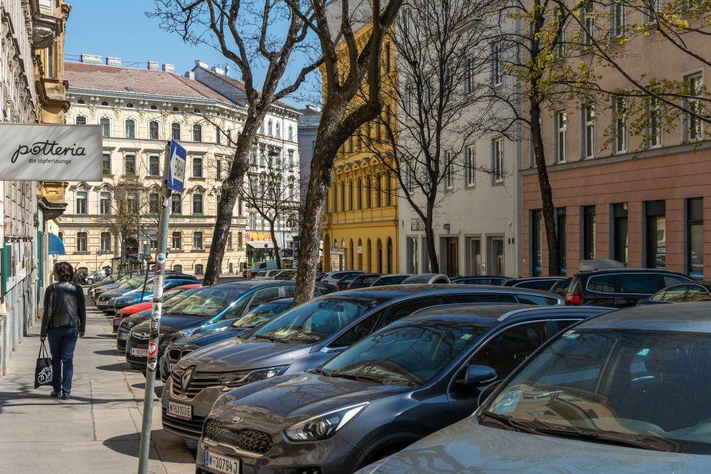 Rasumofskygasse bei der Marxergasse: extrem viel Platz für PKW (3. Bezirk, Foto: 2020)
