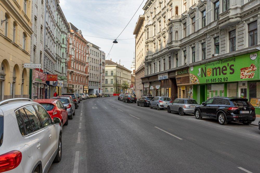 Schönbrunner Straße zwischen Spengergasse und Redergasse