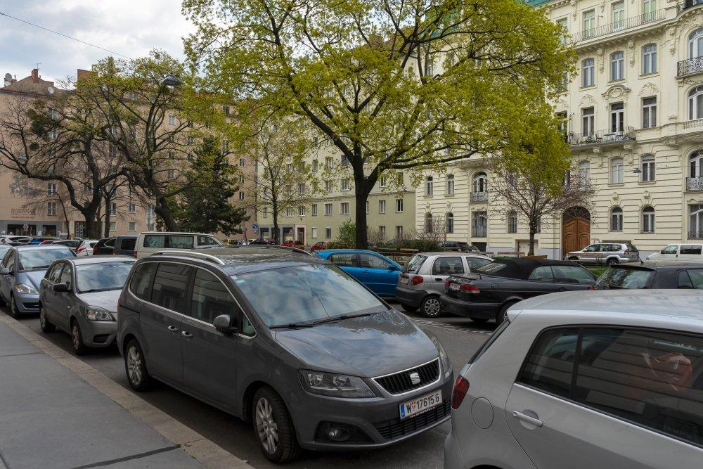 Sebastianplatz: viele Parkplätze, kleine Parkfläche (3. Bezirk, Foto: 2020)