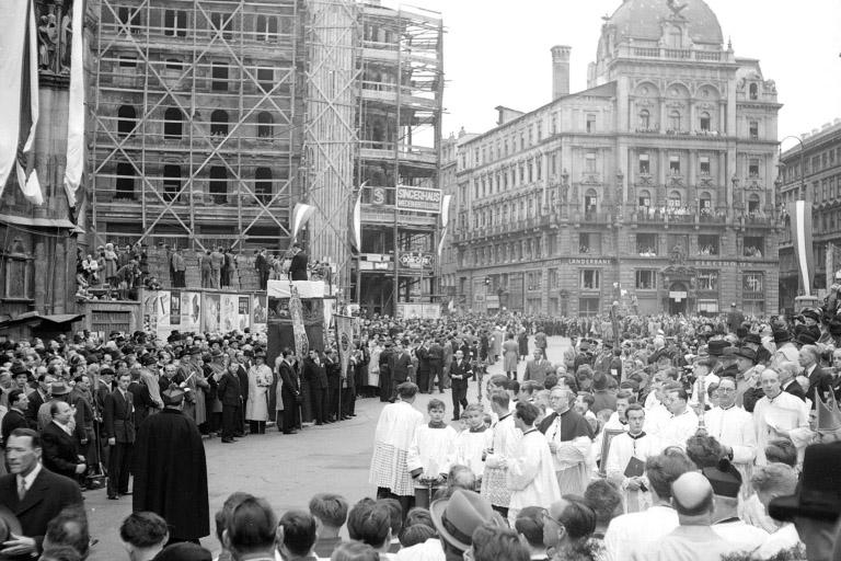 Stephansplatz, Pummerin, Riesenglocke, Stock im Eisen-Platz, Wien, Nachkriegszeit